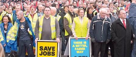 Masiva marcha en Irlanda contra los recortes y los despidos