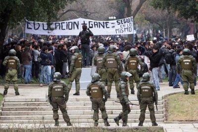 Les affrontements de rue contre la police et la lutte de la jeunesse chilienne