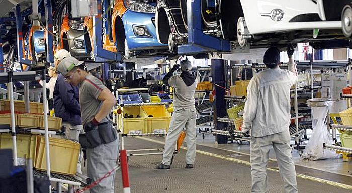 France: L'accord antisocial de PSA signé par des syndicats traîtres