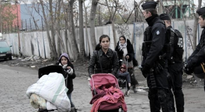 Quand «l'humain d'abord» rime avec «Valls d'abord»: la majorité Front de Gauche de Saint-Ouen expulse 800 Rroms