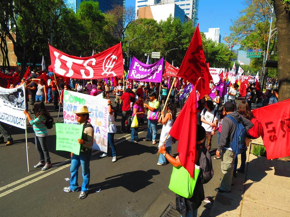 México: Abaixo a repressão aos professores e ao seu sindicato