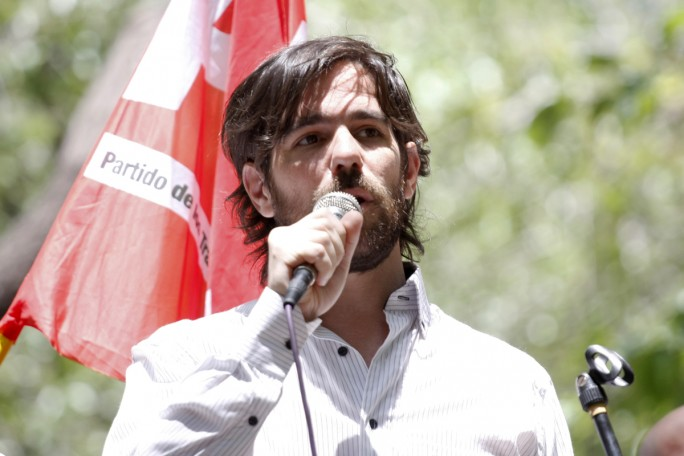 """Nicolás del Caño: """"Que los diputados y funcionarios ganen como una maestra"""""""