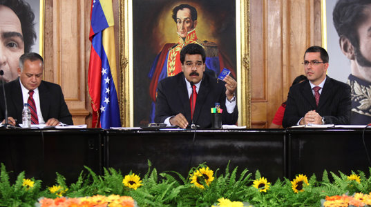 The political crisis in Venezuela. Maduro is trying to direct a dialogue with the moderate right wing
