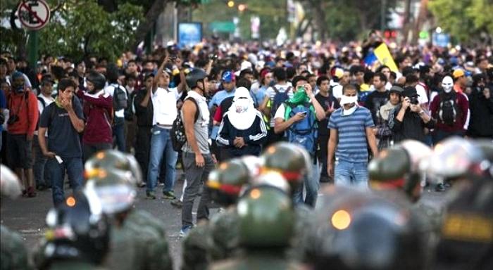 Venezuela: Nuevas marchas de la derecha y duros enfrentamientos
