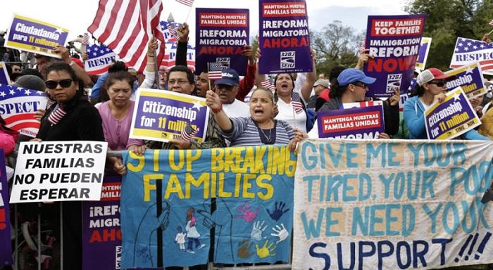 Los inmigrantes resisten las deportaciones masivas de Obama