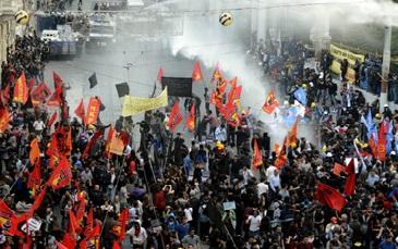 Huelga general por la muerte de los mineros y represión del gobierno