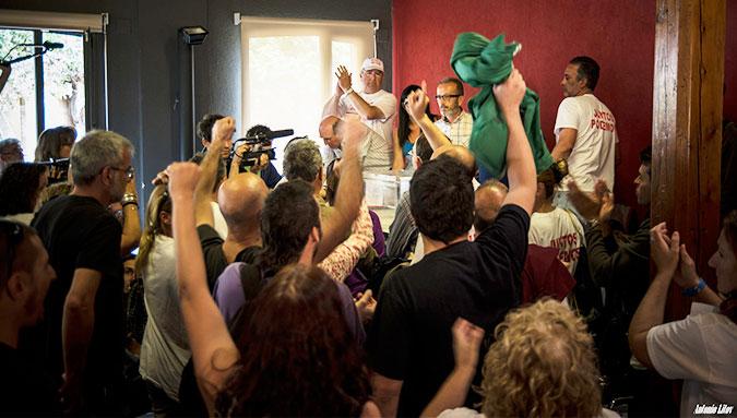 Histórica asamblea vota continuar la huelga de Panrico