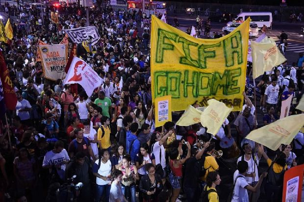 A wave of strikes is covering Brazil