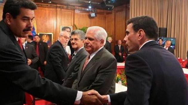 """La suspensión de la """"mesa de diálogo político"""" del Gobierno y la MUD, sus significados"""