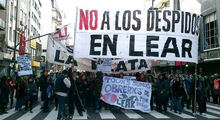 Workers of Lear Argentina block streets in Buenos Aires against layoffs and for the freedom of those arrested