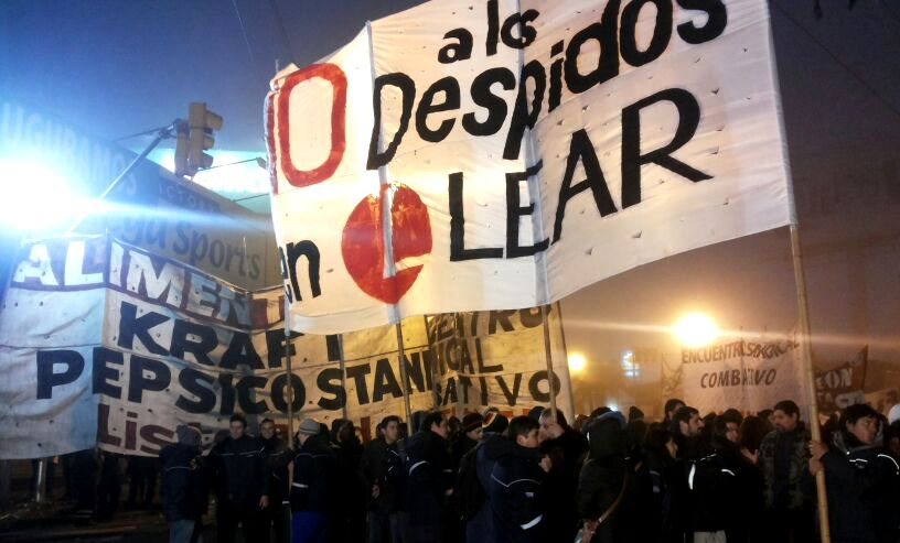 Lear workers fighting against lay-offs and technical unemployment