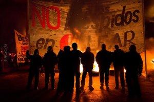 5ème journée de lutte nationale et quatre camarades arrêtés pour s'être solidarisés des travailleurs en lutte contre les licenciements!