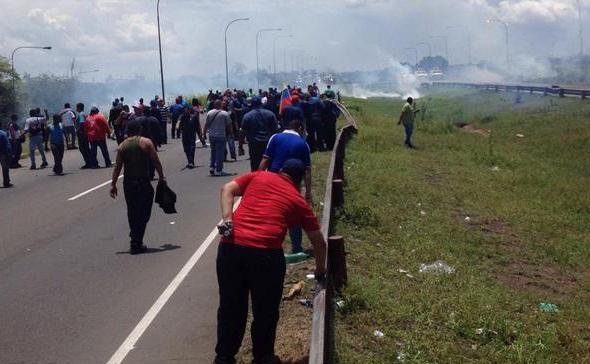 Violenta represión a trabajadores de Sidor, dos heridos de bala y varios detenidos