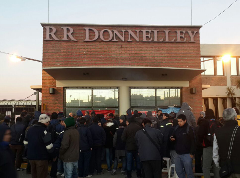 Argentina. RR Donnelley: workers occupied the factory to put it into production against the illegal closure of the multinational company's factory