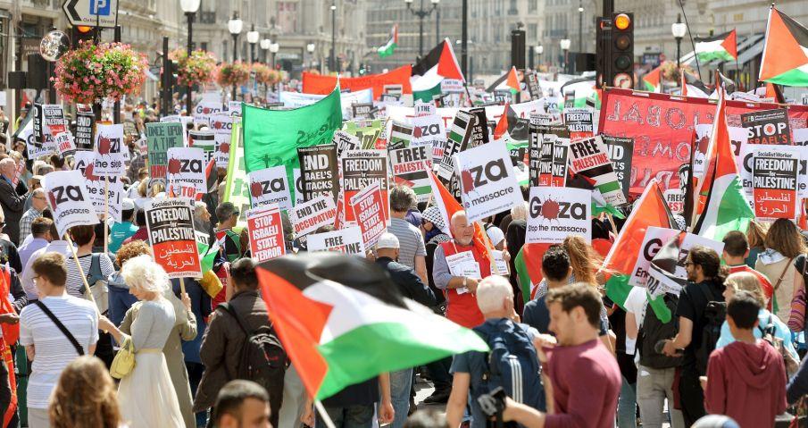 Una marea de banderas palestinas recorrió las calles