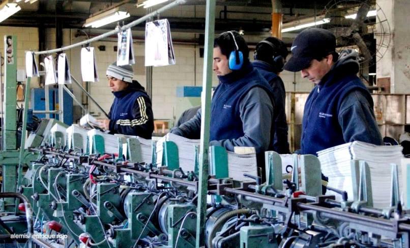 Contre la fermeture illégale, les travailleur-euse-s de Donnelley sommes rentrés dans l'usine et avons repris la production