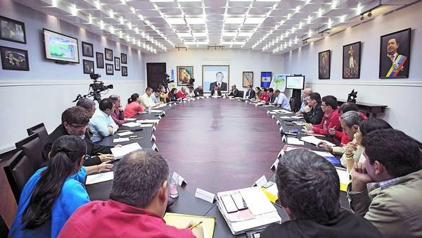 Maduro busca reconfigurar el gobierno para un nuevo ajuste