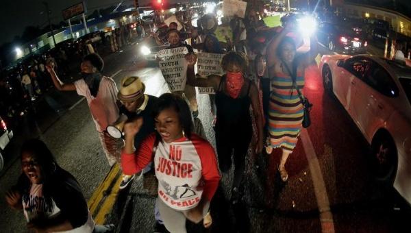 El racismo y las raíces de la revuelta en Ferguson