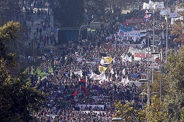 Importante marcha estudiantil en Chile