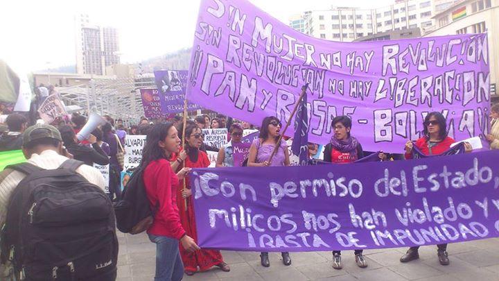 Des centaines de personnes se mobilisent ã La Paz contre les violences sexistes!