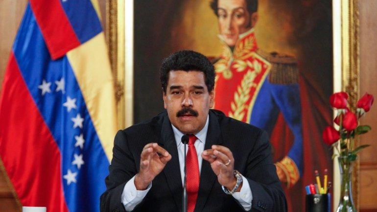 """Mucho ruido y pocas nueces en el llamado """"sacudón"""" de Maduro"""
