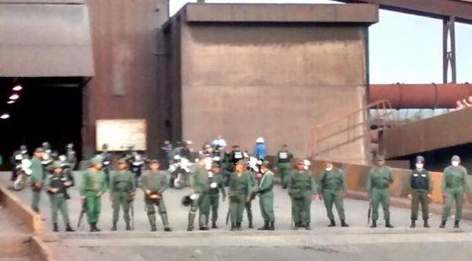 El gobierno de Maduro intenta reactivar Sidor a punta de armas largas y amenazas