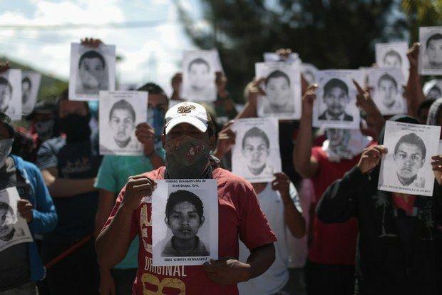 Crisis política en México tras la masacre de Iguala