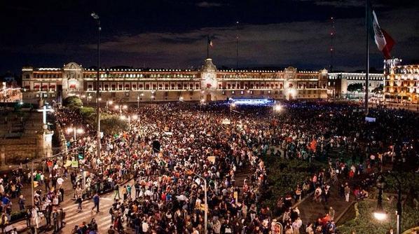 ¡Vivos se los llevaron! ¡Vivos los queremos!: el grito que conmueve las calles de México