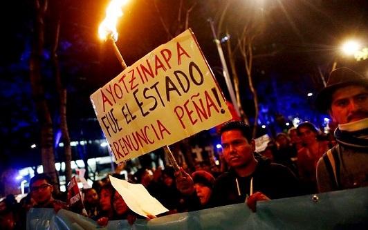La crise s'approfondit pour le gouvernement de Peña Nieto