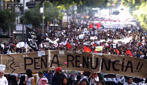 Históricas movilizaciones ponen en crisis al gobierno de Peña Nieto