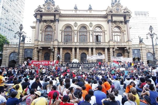 Os atos contra o aumento da passagem podem marcar um novo levante de juventude no Brasil?
