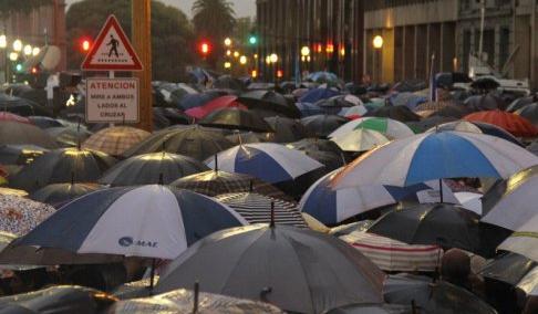 Argentine: Que montre la foule silencieuse qui a manifesté contre le gouvernement?