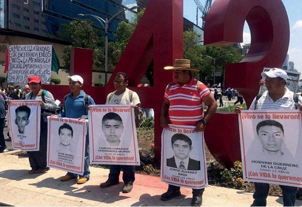 Reprimen la XII Jornada Global por Ayotzinapa
