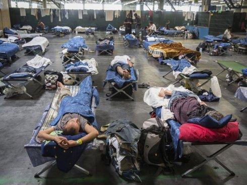 """La """"nueva"""" política migratoria alemana: menos derechos y más fronteras"""
